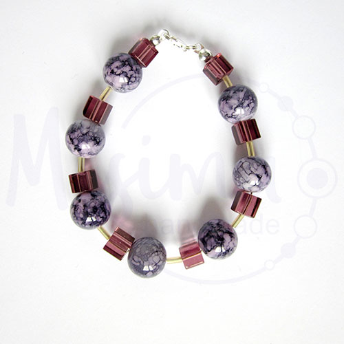 Дамска гривна от пурпурен ахат, стъклени кристали и сребро
