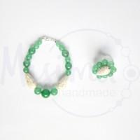 Дамски комплект гривна и пръстен от зелен авантюрин, бял тюркоаз и сребро