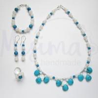 Дамски комплект колие, гривна, обеци и пръстен от бял ахат, син тюркоаз и сребро