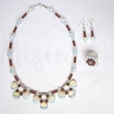 Дамски комплект колие, обеци и пръстен от опал, пустинен пясък и сребро