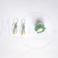 Дамски комплект обеци и пръстен от зелен авантюрин, бял тюркоаз и сребро