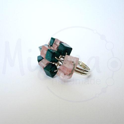 Дамски пръстен от вишнев кварц, седеф, мрамор изумруд и сребро