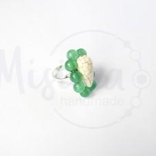 Дамски пръстен от зелен авантюрин, бял тюркоаз и сребро