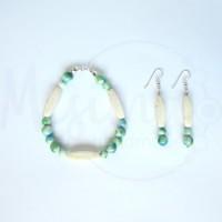 Дамски комплект гривна и обеци от бял тюркоаз, камък дъга и сребро