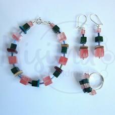 Дамски комплект гривна, обеци и пръстен от вишнев кварц, седеф, мрамор изумруд и сребро