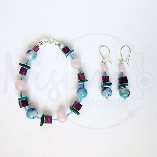 Дамски комплект гривна и обеци от розов кварц, седеф, мрамор аметист, камък дъга и сребро