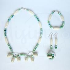 Дамски комплект колие, гривна, обеци и пръстен от бял тюркоаз, камък дъга и сребро