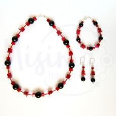 Дамски комплект колие, гривна и обеци от оникс, седеф, мрамор корал и сребро