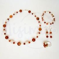 Дамски комплект колие, гривна, обеци и пръстен от бял ахат, червен сардоникс и сребро