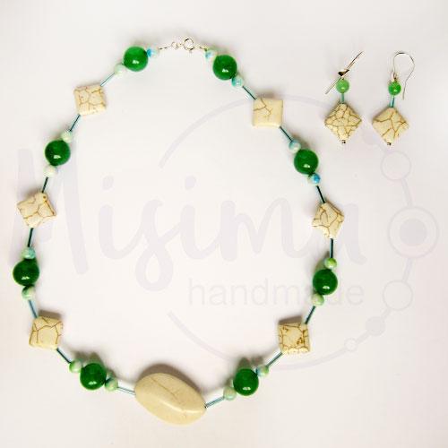 Дамски комплект колие и обеци от бял тюркоаз, зелен авантюрин и сребро