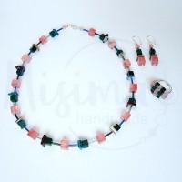 Дамски комплект колие, обеци и пръстен от вишнев кварц, седеф, мрамор изумруд и сребро