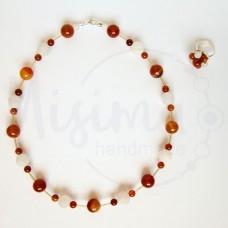 Дамски комплект колие и пръстен от бял ахат, червен сардоникс и сребро