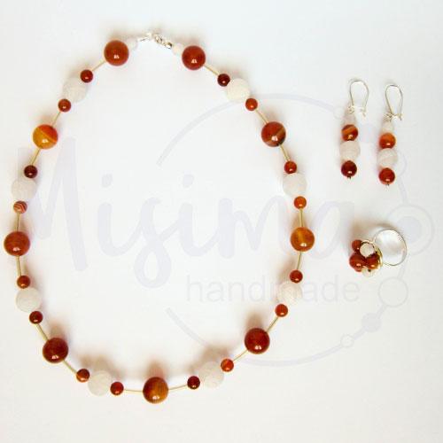 Дамски комплект колие, обеци и пръстен от бял ахат, червен сардоникс и сребро
